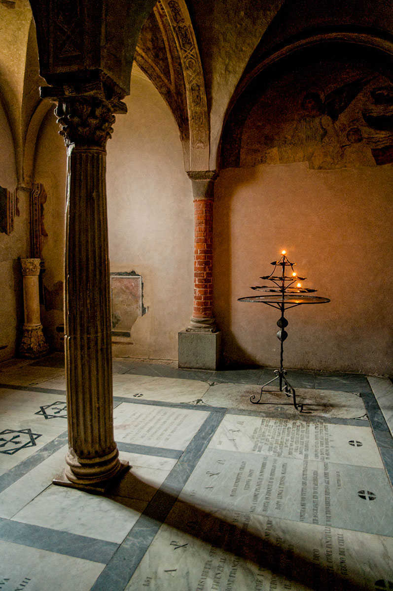 LIGHT IN THE CRYPT 4