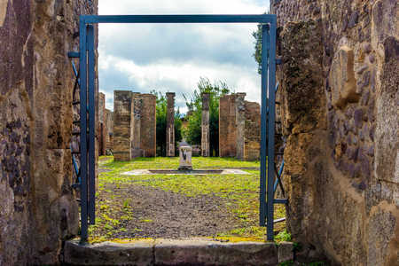Pompeii through the gate